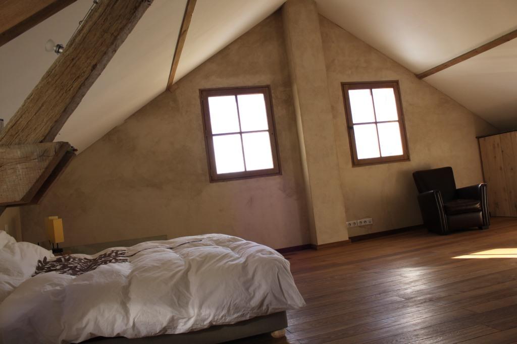Luxe et volupté dans cette chambre spacieuse
