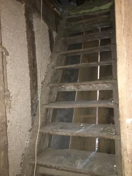 esIMG_2847_escalier